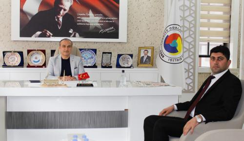 Amasya Gıda Kontrol Laboratuvar Müdürü Amasya TSO Başkanı Murat Kırlangıç'ı Ziyaret Etti